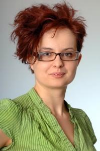 Csányi Andi Rendteremtő portre-199x300