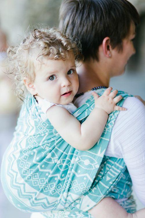 b6b98083bf ... ha másodszorra lányod születik, új trükköket is meg kell tanulnod -,  büfiztetés, babakocsival közlekedés, hordozókendő kötés, orrszívás…stb.